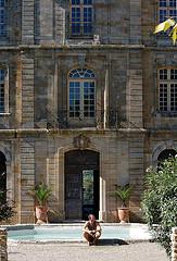 Chateau de cassan courtyard